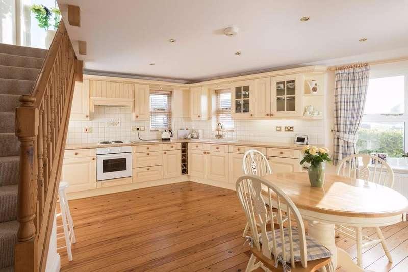 3 Bedrooms House for sale in Main Street, Bishop Wilton, York