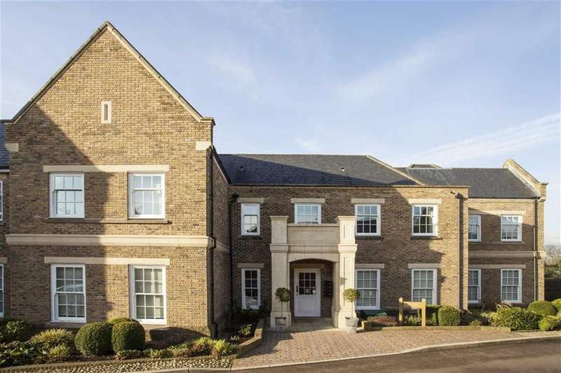 3 Bedrooms Flat for sale in Broadfield Way, Watford