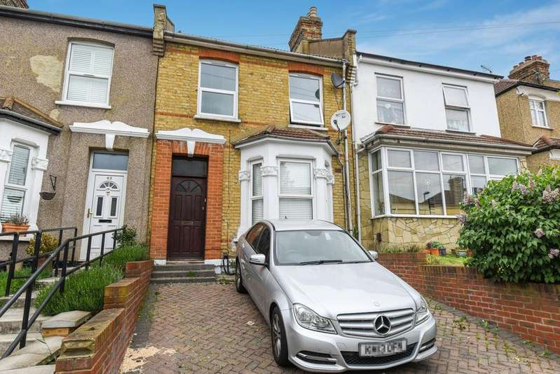 3 Bedrooms Terraced House for sale in Dairsie Road London SE9