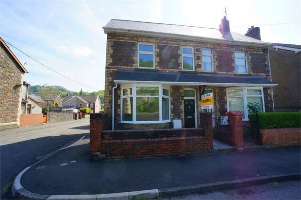 2 Bedrooms Semi Detached House for sale in Ebbw Street, Risca, NEWPORT