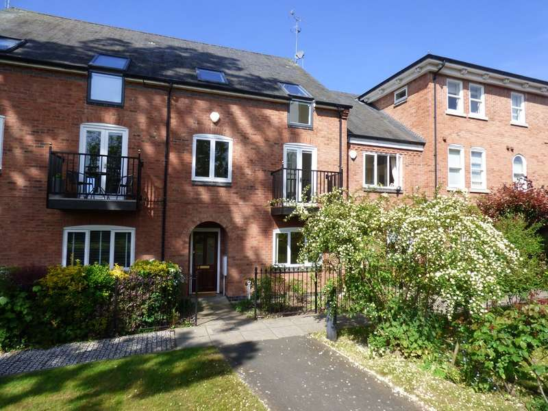 4 Bedrooms Terraced House for sale in Wilhelmina Close, Leamington Spa