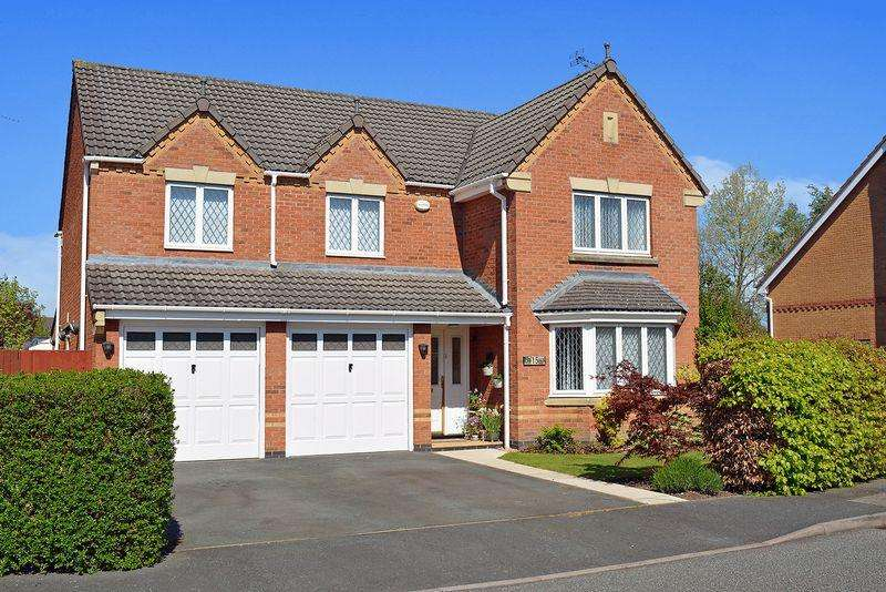 5 Bedrooms Detached House for sale in Colorado Close, Great Sankey, Warrington