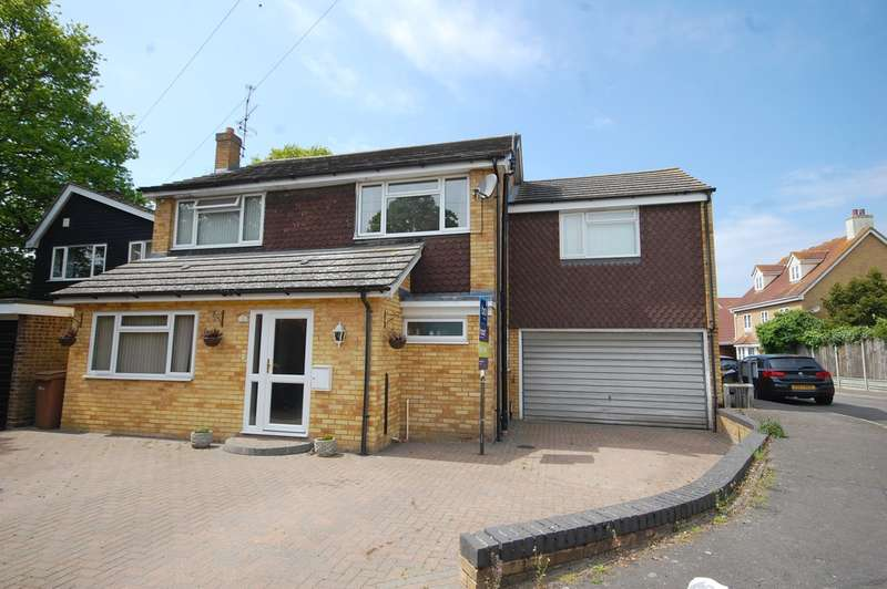 6 Bedrooms Detached House for sale in Newport Close, Great Baddow, Chelmsford, CM2