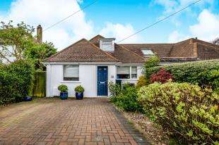 4 Bedrooms Bungalow for sale in Crescent Drive North, Woodingdean, Bighton, East Sussex