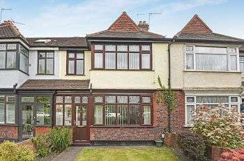3 Bedrooms Terraced House for sale in Widmore Road, Bromley, Kent, BR1 2RH