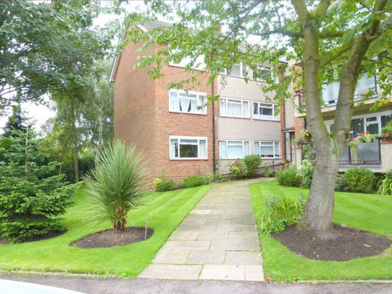 2 Bedrooms Flat for sale in Knowl Park, Elstree