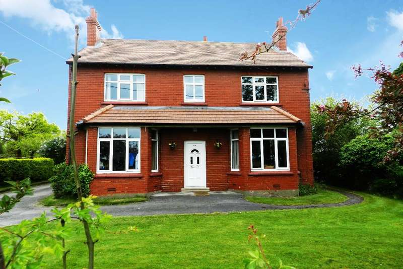 4 Bedrooms Detached House for sale in Glazebrook Lane, Glazebrook, Warrington, WA3 5AX