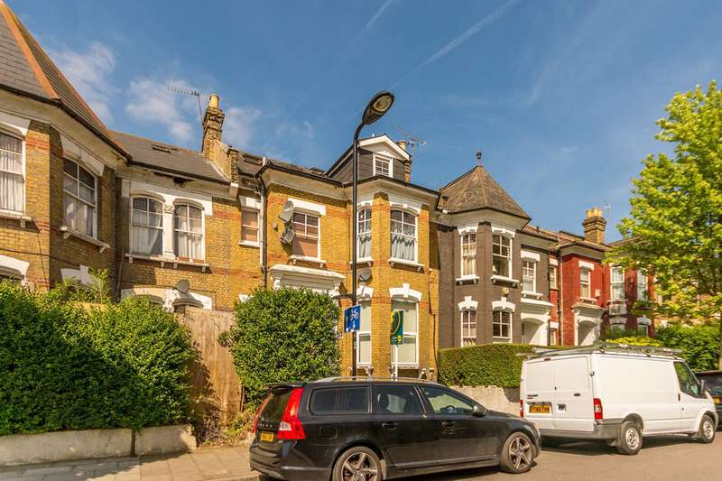 2 Bedrooms Flat for sale in Osbaldeston Road, Stoke Newington, N16