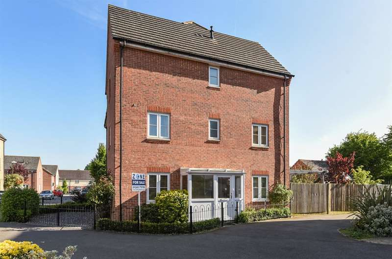 5 Bedrooms Town House for sale in Chichester