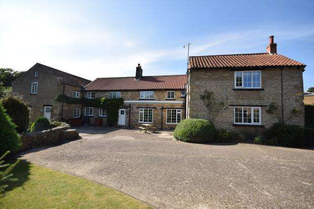 6 Bedrooms Detached House for sale in Carr Lane, East Ayton, Scarborough, North Yorkshire, YO13 9HW