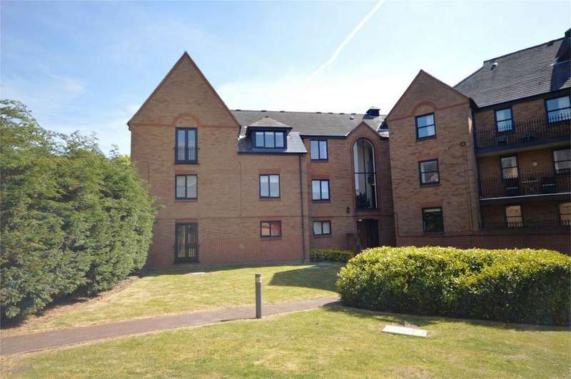 1 Bedroom Flat for sale in Chelmsford Road, DUNMOW