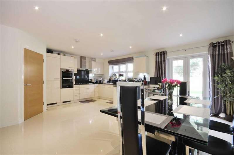 5 Bedrooms Semi Detached House for sale in Shirley Road, Watford, Hertfordshire
