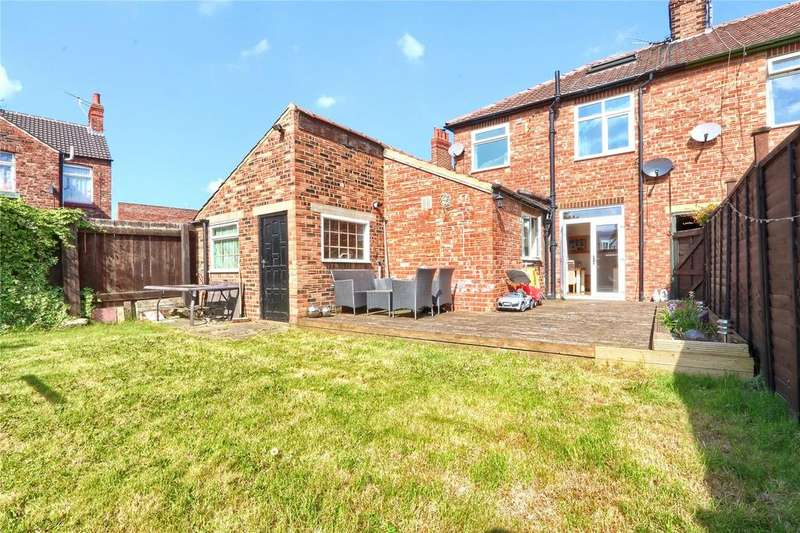 3 Bedrooms End Of Terrace House for sale in Park Lane, Guisborough