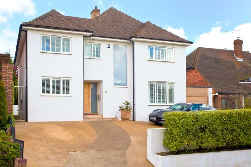 4 Bedrooms Detached House for sale in Hill Drive, Hove, East Sussex, BN3