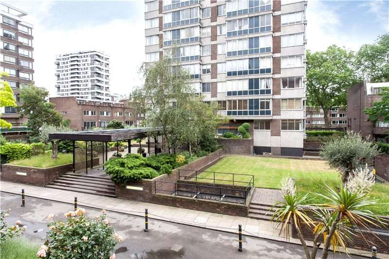 2 Bedrooms Flat for sale in Quadrangle Tower, Cambridge Square, London, W2