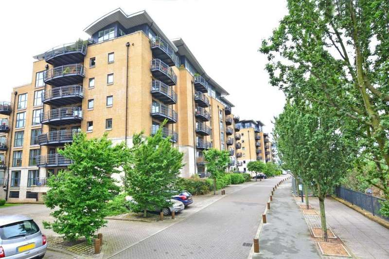2 Bedrooms Flat for sale in Thistley Court, Glaisher Street, Deptford, London, SE8