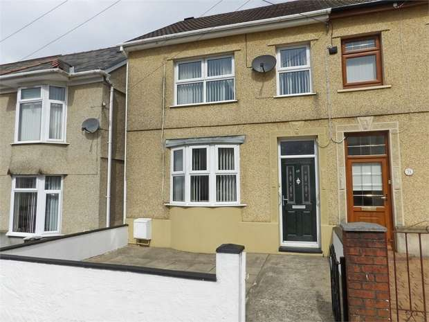 3 Bedrooms End Of Terrace House for sale in Brecon Road, Ystradgynlais, Swansea, Powys