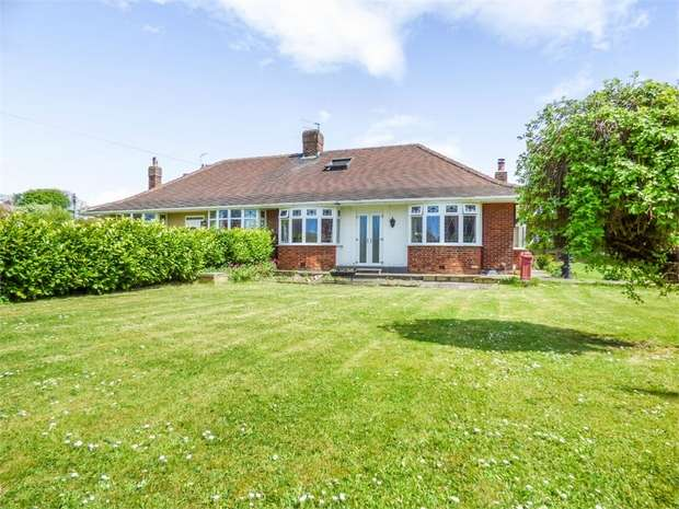 4 Bedrooms Semi Detached Bungalow for sale in West End, Guisborough, North Yorkshire