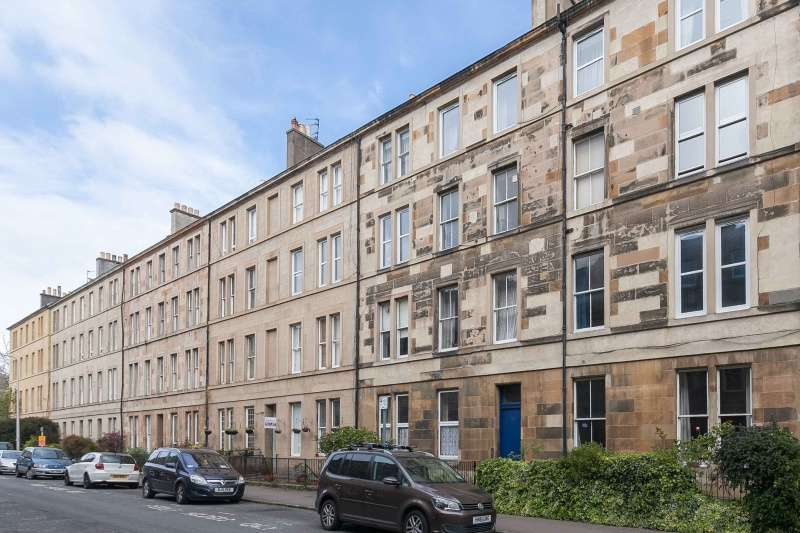 1 Bedroom Flat for sale in Panmure Place, Tollcross, Edinburgh, EH3 9JJ