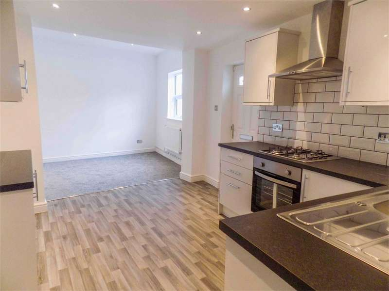 2 Bedrooms Flat for sale in Church Street, Westhoughton, Bolton, Lancashire