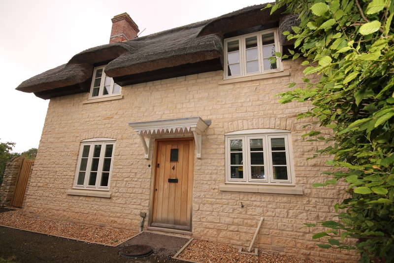 3 Bedrooms Cottage House for sale in Sonning Cottages, High Street, Pavenham, MK43