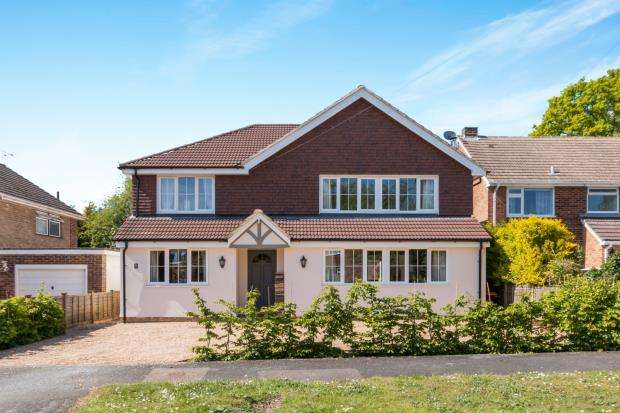 5 Bedrooms House for sale in Hindhead, Surrey, United Kingdom
