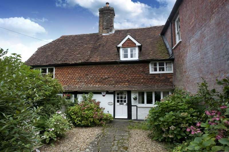 2 Bedrooms Cottage House for sale in High Street, Loxwood