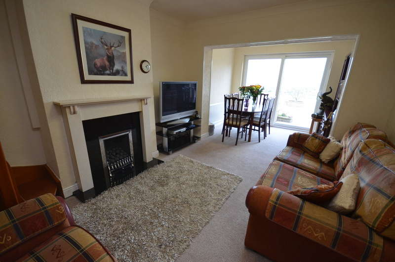 4 Bedrooms Semi Detached Bungalow for sale in Old Bank Lane, Blackburn