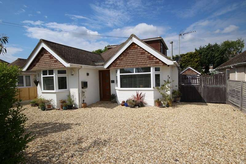 4 Bedrooms Chalet House for sale in Seacroft Avenue, Barton On Sea, New Milton