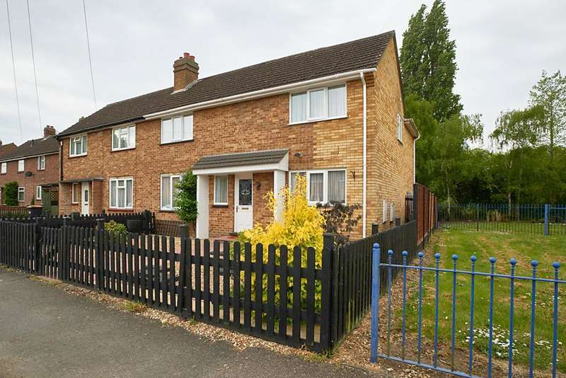 3 Bedrooms Semi Detached House for sale in Lovell Road, Bedford, Bedfordshire, MK42 0LS