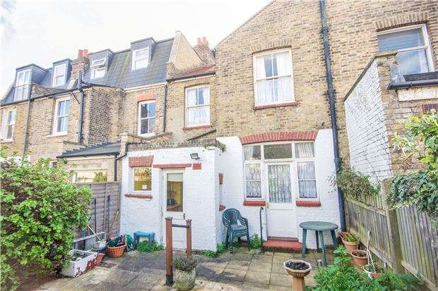 3 Bedrooms Terraced House for sale in Pirbright Road, LONDON, SW18 5ND