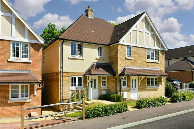 3 Bedrooms Semi Detached House for sale in Juniper Place, Epsom Downs, Surrey