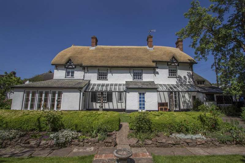 4 Bedrooms Detached House for sale in Belle Parade, Crediton EX17