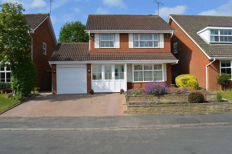 4 Bedrooms Detached House for sale in Defford Close, Wokingham, Berkshire, RG41 1HJ