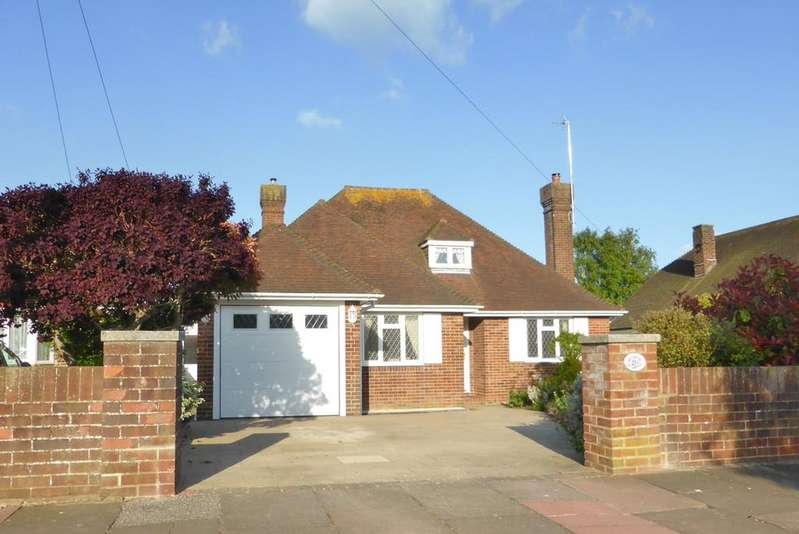 3 Bedrooms Detached Bungalow for sale in Wrestwood Avenue, Eastbourne, BN22