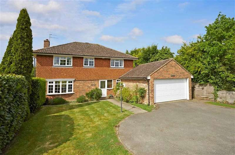 4 Bedrooms Detached House for sale in Steels Lane, Oxshott, Surrey, KT22