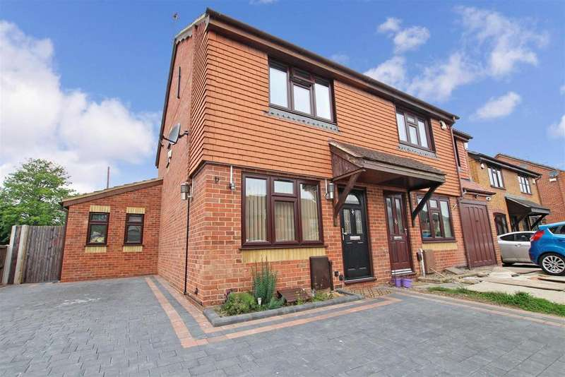 3 Bedrooms Semi Detached House for sale in Woollett Close, Crayford, Crayford