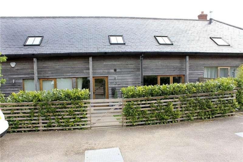 4 Bedrooms House for sale in Burderop Barns, Burderop, Swindon, Wiltshire, SN4