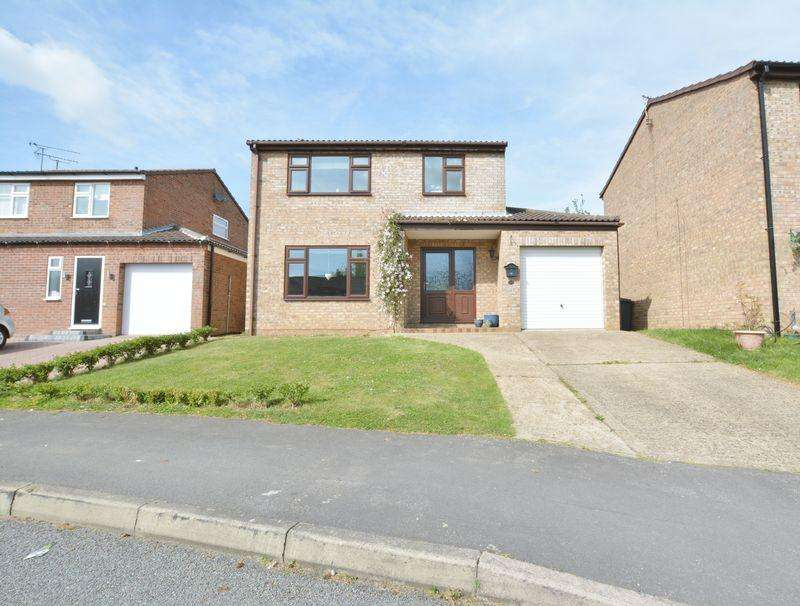 3 Bedrooms Detached House for sale in Turnberry Close, Heighington, Lincoln
