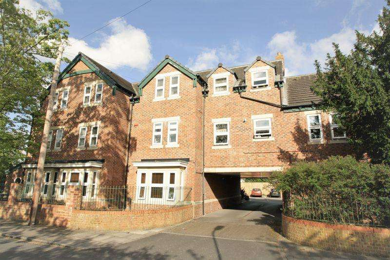 3 Bedrooms Apartment Flat for sale in Chetwynd Court, The Avenue, Stockton, TS19 7EF
