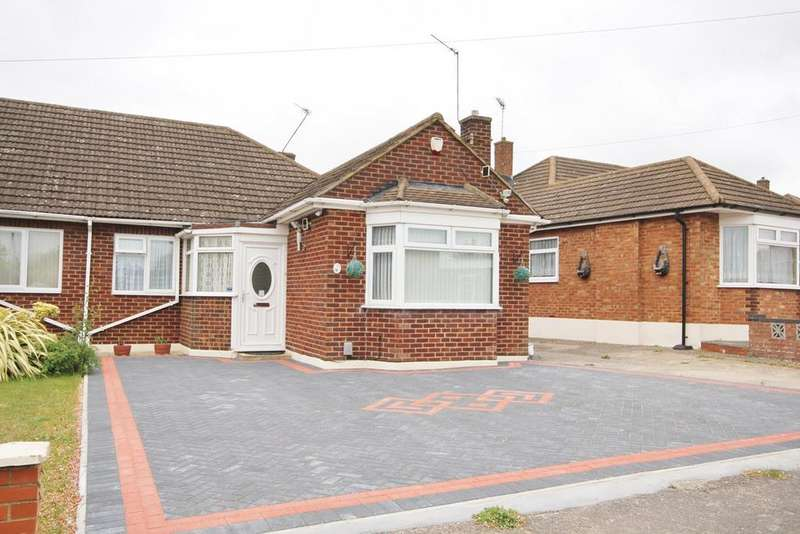 3 Bedrooms Semi Detached Bungalow for sale in Cranbrook Drive, Sundon Park, Luton, LU3
