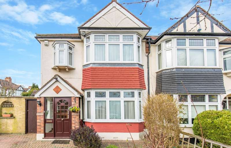 4 Bedrooms End Of Terrace House for sale in Lodge Gardens, Beckenham