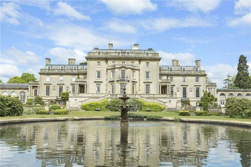 3 Bedrooms Penthouse Flat for sale in The Mansion, Ottershaw Park, Ottershaw, Chertsey, KT16