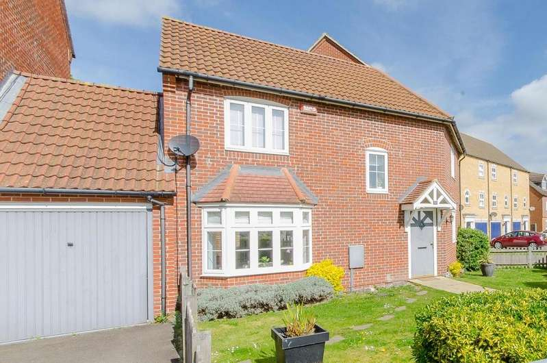 3 Bedrooms Terraced House for sale in Martin Court, Sittingbourne, Kent