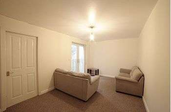 2 Bedrooms Apartment Flat for sale in Huddersfield Road, Austerlands, Oldham, OL4