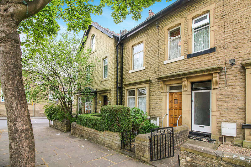 4 Bedrooms Property for sale in Park Avenue, Keighley, BD21