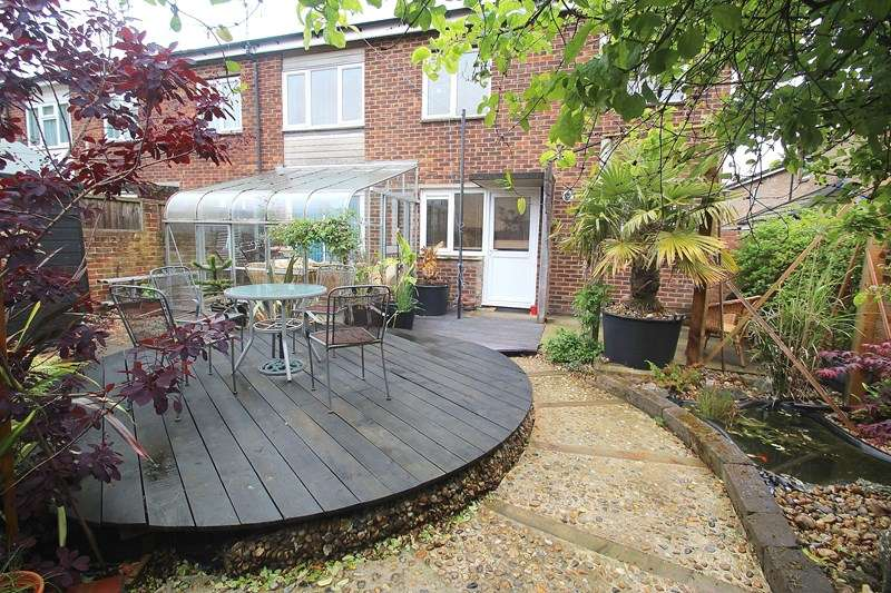 3 Bedrooms Terraced House for sale in Hornet Close, Fareham