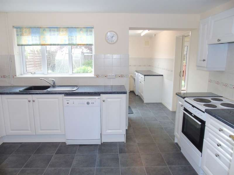 3 Bedrooms Semi Detached House for sale in St Pauls Avenue, Penarth