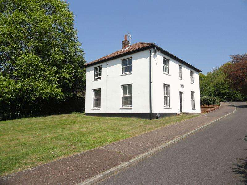 3 Bedrooms Apartment Flat for sale in The Waterside, Lower Hellesdon, Norwich