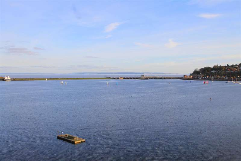 2 Bedrooms Apartment Flat for sale in Prospect Place, Ferry Court, Cardiff Bay